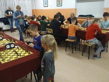 Szachiści grają dla Polonii